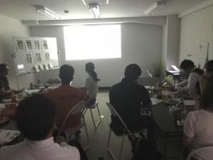 夜はゆる~く映画やアニメを見る会を開催